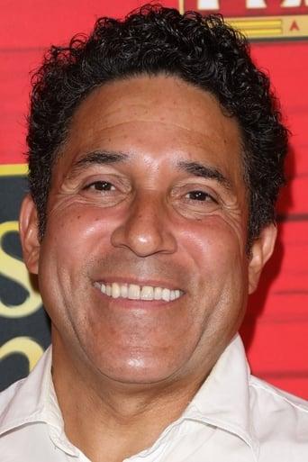 image of Oscar Nunez