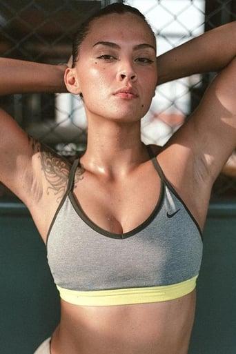 Image of Simone Julia