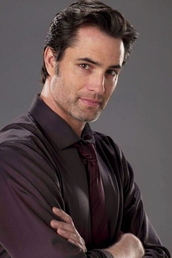Image of Victor Webster