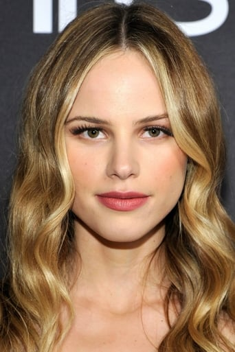 Halston Sage alias Ainsley Whitly