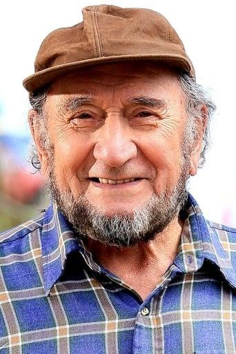Image of Luis Alarcón
