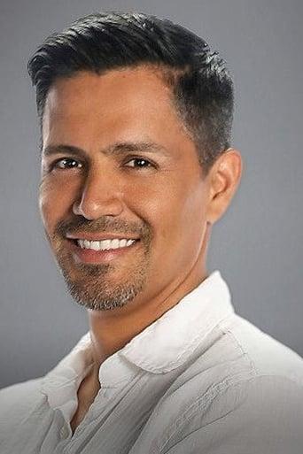 Image of Jay Hernandez