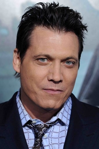 Holt McCallany alias Burglar (uncredited)