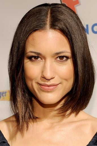 Julia Jones alias Aya