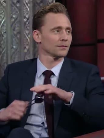 Tom Hiddleston playing spoons