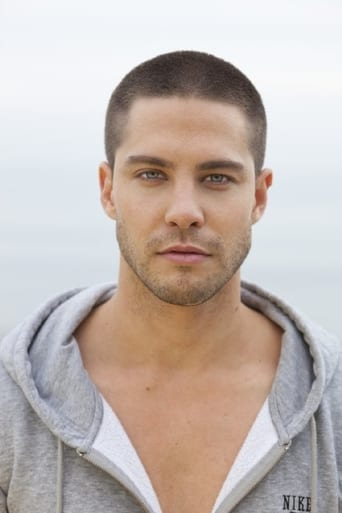 Image of Dean Geyer