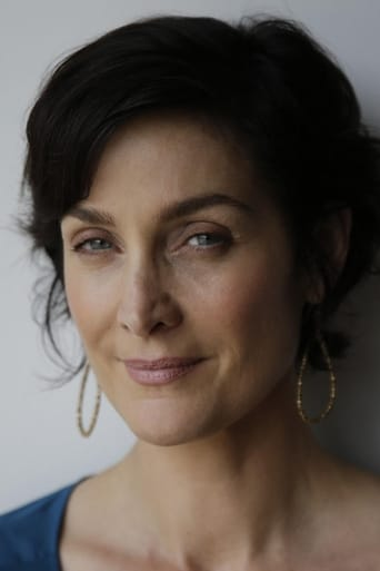 A picture of Carrie-Anne Moss