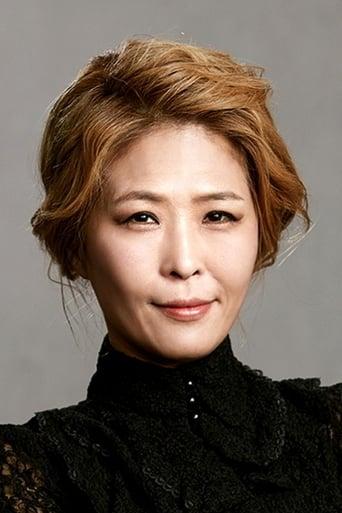Image of Hwang Suk-jung