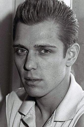 Image of Paul Simonon