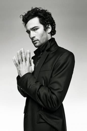 Image of Nicolas Cazalé