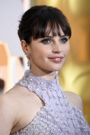 Felicity Jones alias Amelia Rennes