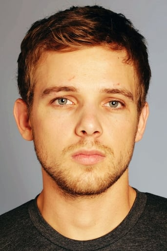 Image of Max Thieriot