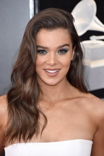 Hailee Steinfeld alias Angel Recruit