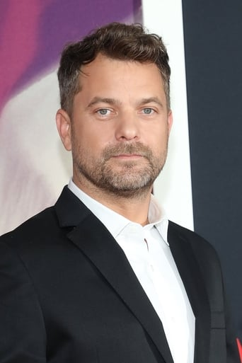 A picture of Joshua-Jackson
