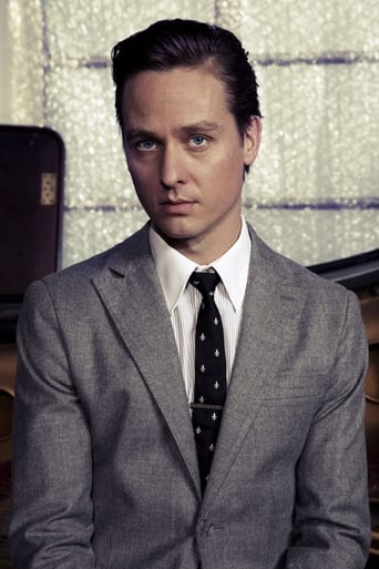 Image of Tom Schilling