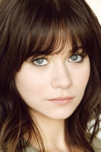 Amanda Leighton alias Polly Plantar (voice)