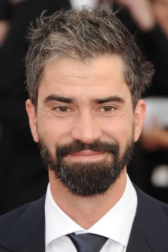 Image of Hamish Linklater