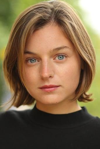 Emma Corrin Profile photo