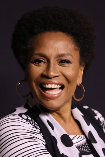 Jenifer Lewis alias Flo (voice)
