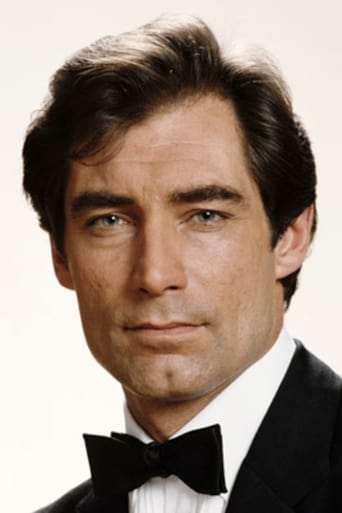 Timothy Dalton alias James Bond