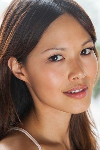 Image of Elaine Tan
