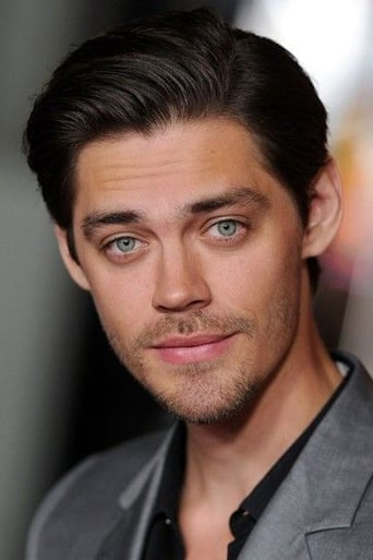 Image of Tom Payne