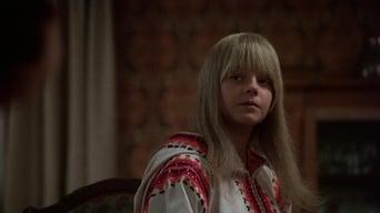 Дівчинка, що живе в кінці провулка (1976)