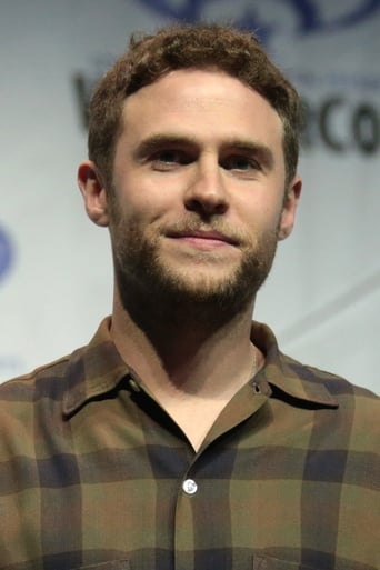 Iain De Caestecker alias Private  Morton Chase