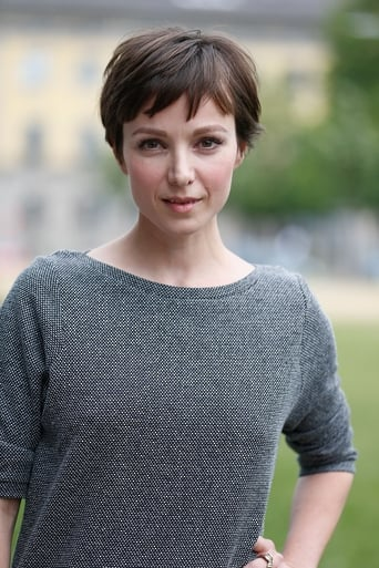 Image of Julia Koschitz