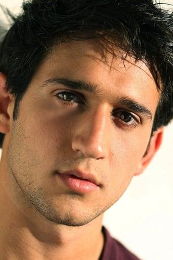 Image of Darius Homayoun