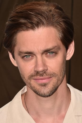 Tom Payne alias Malcolm Bright