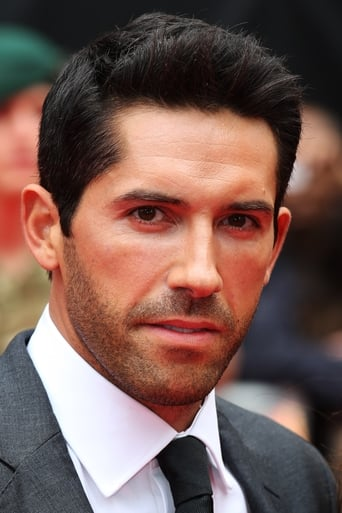 Scott Adkins alias Lucian / Strong Zealot