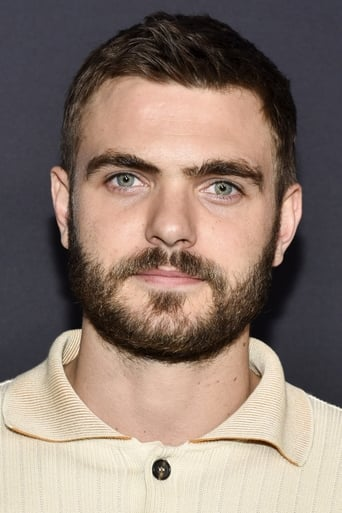 Image of Alex Roe