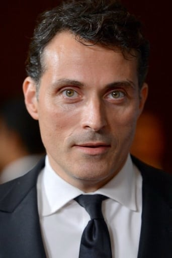 Rufus Sewell alias Tom Builder