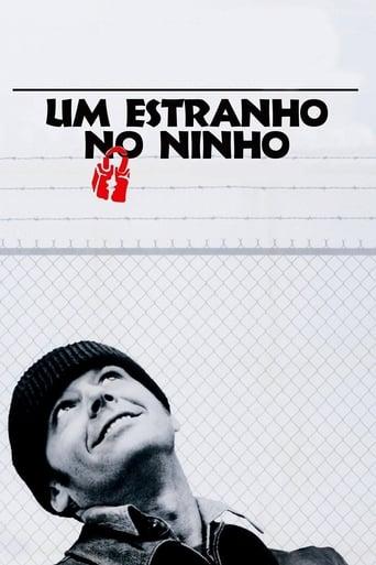 Um Estranho no Ninho - Poster