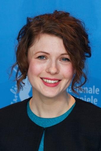 Image of Hannah Steele