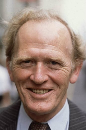 Gordon Jackson alias MacDonald 'Intelligence'