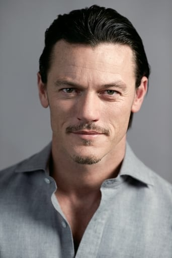 Luke Evans alias Scott Hipwell