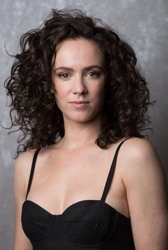 Image of Amy Manson