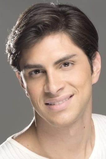 Image of Cesar Flores