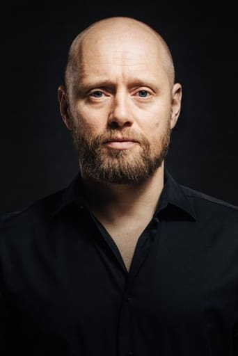 Image of Aksel Hennie