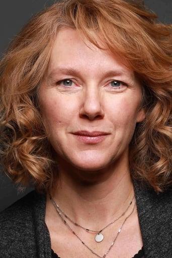 Image of Elise Robertson