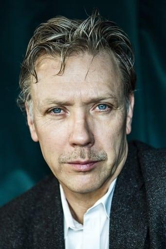 Image of Mikael Persbrandt