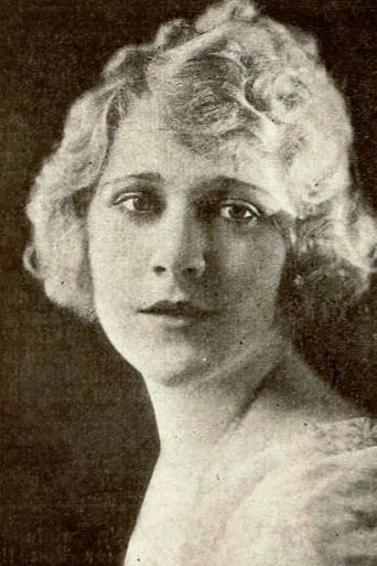 Image of Louise Lovely