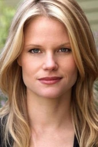 Image of Joelle Carter