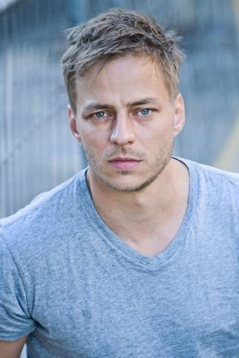 Tom Wlaschiha alias Sebastian Berger