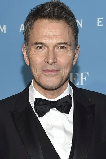 Tim Daly alias Joe Hackett