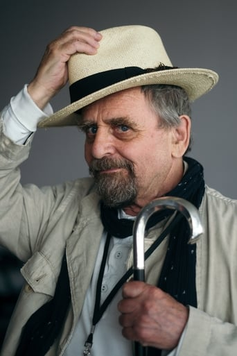 Sylvester McCoy alias Richard Huggins