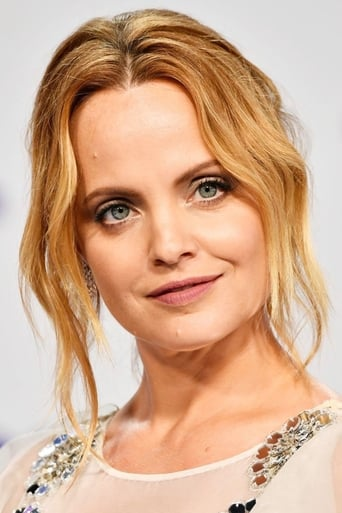 Mena Suvari alias Coty Pierce