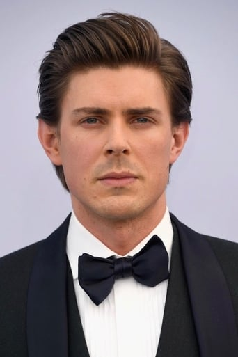 A picture of Chris Lowell